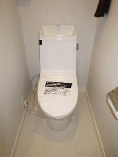 西新宿ハウス ウォシュレット付のトイレ306