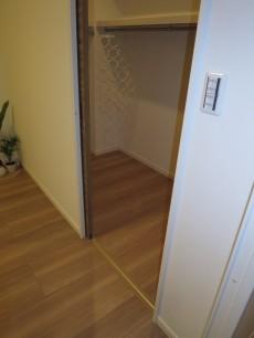 西新宿ハウス 約6.0帖の洋室 ウォークインクローゼット306