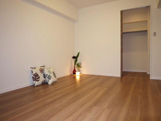 西新宿ハウス 約6.0帖の洋室306