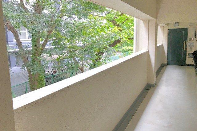 秀和目黒レジデンス (5)外廊下