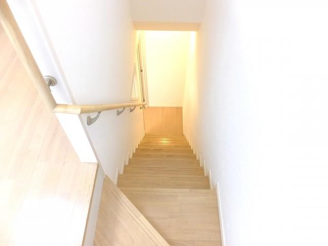 ライズ中野新橋 階段