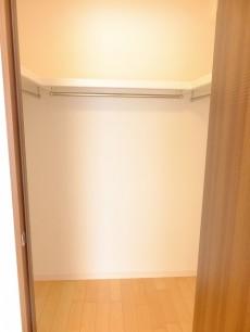サニークレスト三田 洋室1WIC