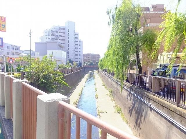 日商岩井方南町マンション 神田川