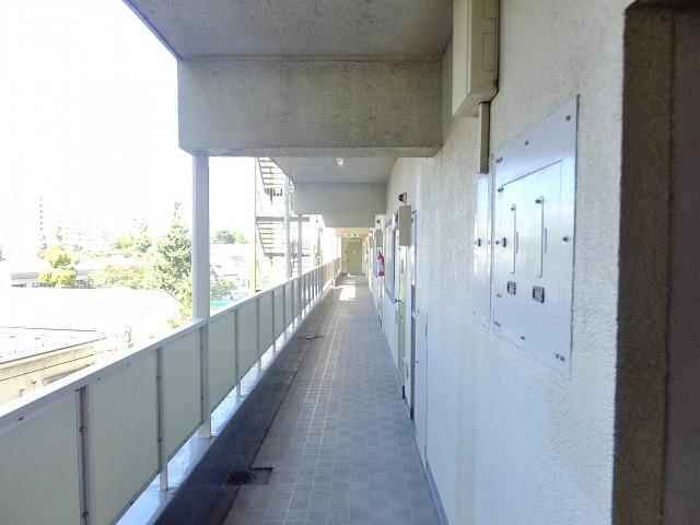 日商岩井方南町マンション 外廊下