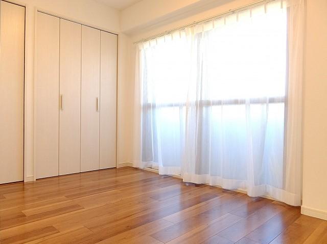 ニックハイム飯田橋 5.5帖のベッドルーム