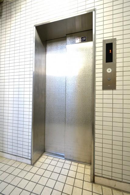 日興パレス広尾プラザ エレベーター