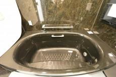 シャンボール代々木上原 バスルームシェル型浴槽