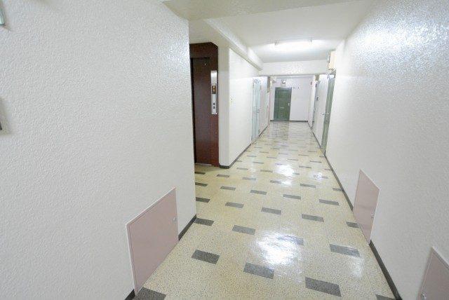 中銀小石川マンシオン玄関