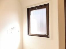 パールハイツ大塚 トイレに窓あり