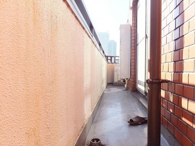 パールハイツ大塚 リビング側のバルコニー