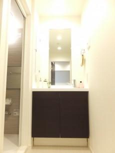 越前堀永谷マンション 洗面化粧台