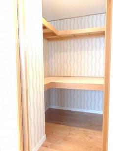 市谷逢坂ハウス 9.4帖和室の収納
