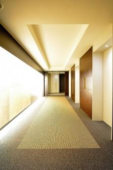 赤坂タワーレジデンス 30Fエレベーターホール