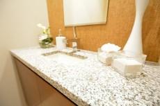 赤坂タワーレジデンス トイレ手洗いカウンター