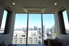 赤坂タワーレジデンス 14.8帖のLDK窓