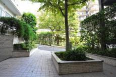 エクセルハイツ大井仙台坂 エントランス前の植栽