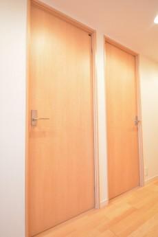 エクセルハイツ大井仙台坂 洋室の扉
