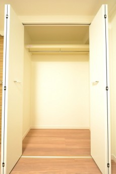 青葉台ハイツ 4.4帖のベッドルームクローゼット