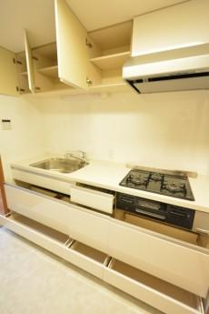高田馬場パークハウス弐番館 3.2帖の独立キッチン