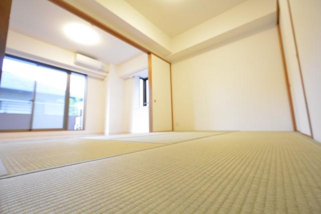 高田馬場パークハウス弐番館 6.0帖の和室