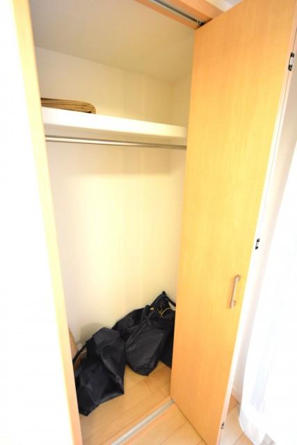 プチモンド目白 洋室約4.2帖収納
