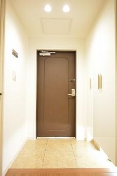 大森海岸パークハウス 明るい玄関ホール