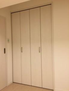 代々木ハビテーション 洋室約4.5帖収納