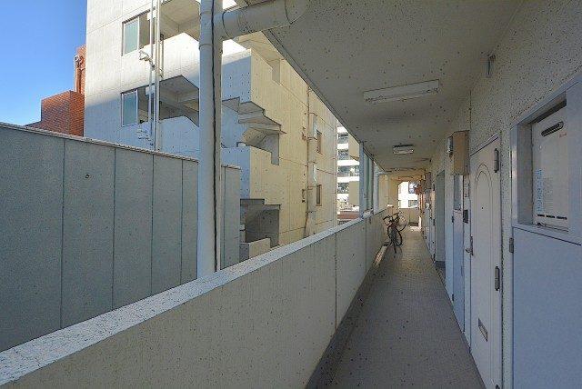 ヴェラハイツ浜町 外廊下