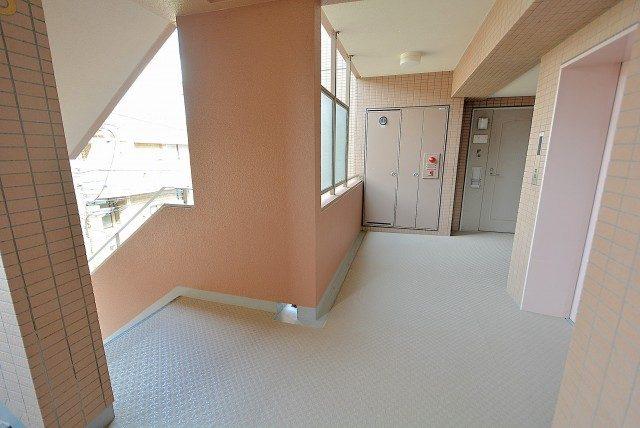 高田馬場パークハウス弐番館 (1)外廊下
