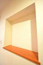 陽輪台松濤 玄関ホール ニッチ