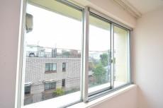 陽輪台松濤 9.9帖のベッドルーム眺望