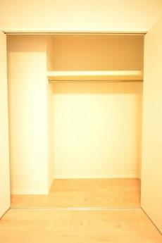 フリーディオ三宿 4.8帖のベッドルームクローゼット
