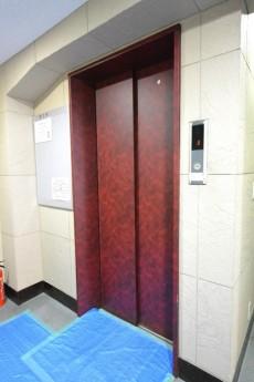 宮園コーポ エレベーター