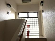 サンコート千歳台 階段