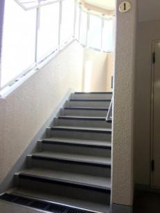 第2桜新町ヒミコマンション 階段
