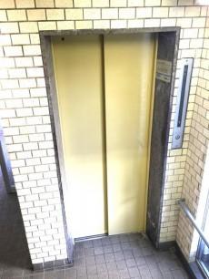 野沢ビューグリーン エレベーター
