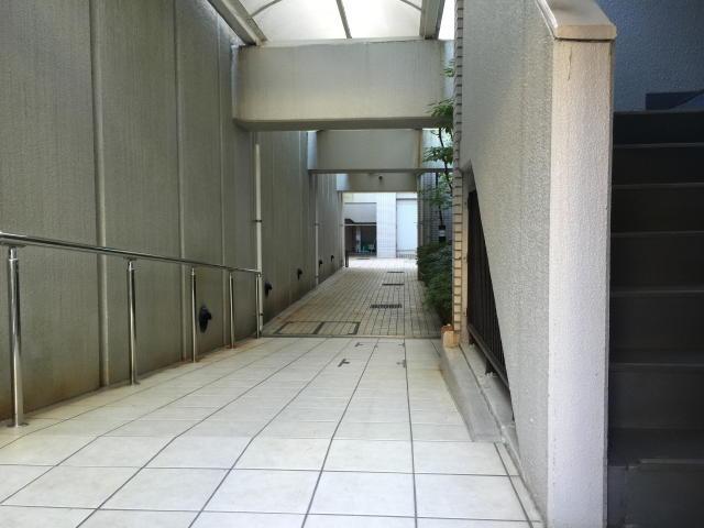 パレ駒場 共用廊下