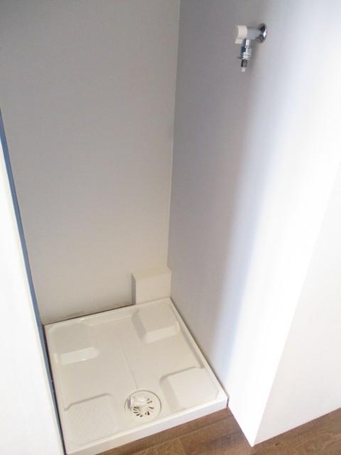 中野日興マンション キッチン背後洗濯機