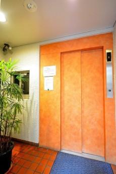 ハイツサト赤坂 エレベーターホール