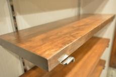 大森ロイヤルハイツ 洗面化粧台横の収納棚