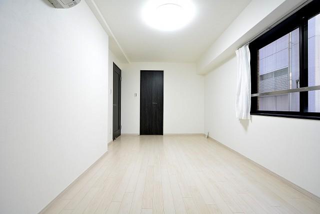 ドミール南青山 7.5帖のベッドルーム