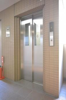 ルーブル駒沢大学Ⅱ エレベーター