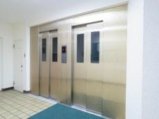 西蒲田スカイハイツ エレベーターは2基