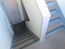 目白ローヤルコーポ 共用階段