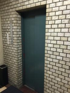 赤坂コーポ エレベーター