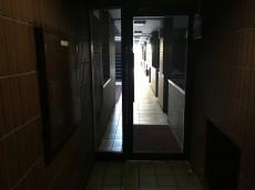 ライオンズマンション八幡山 1F廊下