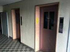 ガーデン堀ノ内住宅 エレベーター
