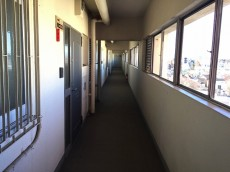 ガーデン堀ノ内住宅 内廊下