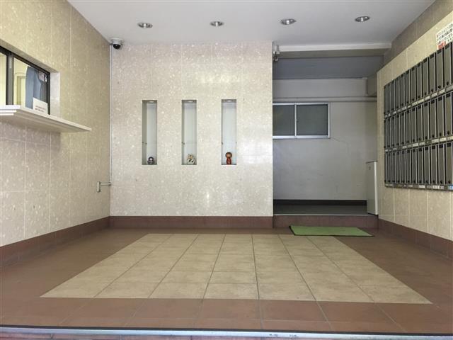 中野ハイネスコーポ エントランスホール