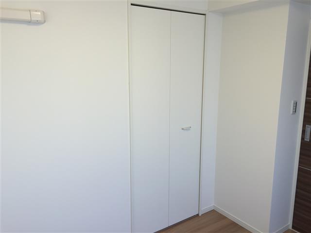 中野坂上マンション 洋室約4.5帖収納